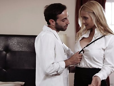 Animalistic blowjob is definitely guaranteed by downcast dominate babe Sarah Vandella