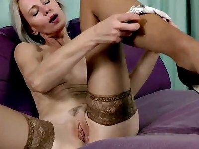 45 Year Old Housewife Artemia Solo Masturbate
