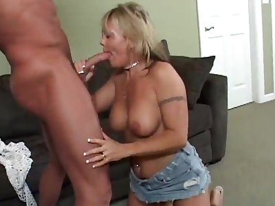 A mammal blwjob by a cougar to a sexy piercing