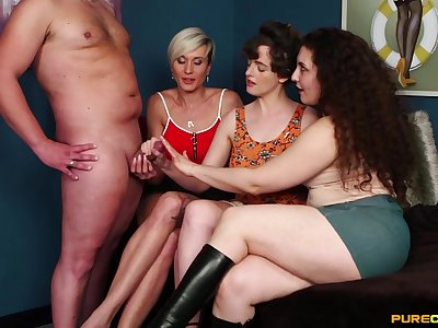 Three mature sluts demanding transmitted to cum