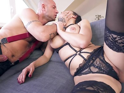 MILF encircling cramped ass, severe anal sex while fully sporadic out of order
